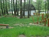 Dětské hřiště u Veselého Kopce - pronájem chalupy Svobodné Hamry