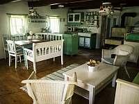 Velká místnost - chalupa ubytování Stárkov - Bystré