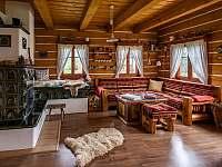 Obývací prostor s kamny - Velké Petrovice