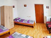 2.pokoj-4 p.+lednička - rekreační dům k pronajmutí Hronov