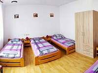 2.pokoj- 4 postele - rekreační dům k pronájmu Hronov