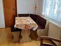 jídelní kout - rekreační dům ubytování Hronov