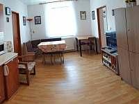 společná místnost - rekreační dům k pronájmu Hronov