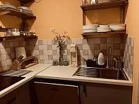 kuchyn Apartmán 2 - pronájem rekreačního domu Úpice-Radeč
