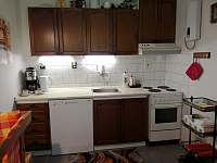 kuchyně - chalupa ubytování Olešnice u Červeného Kostelce
