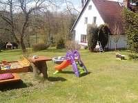 zahrada - pronájem chalupy Olešnice u Červeného Kostelce