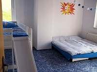 Apartmán 1 - pokoj 1 - k pronájmu Hronov - Velký Dřevíč