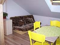 Apartmán 2 - obývací pokoj - k pronajmutí Hronov - Velký Dřevíč