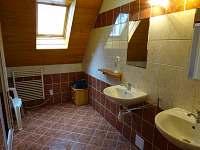 Podkrovní apartmán B - koupelna