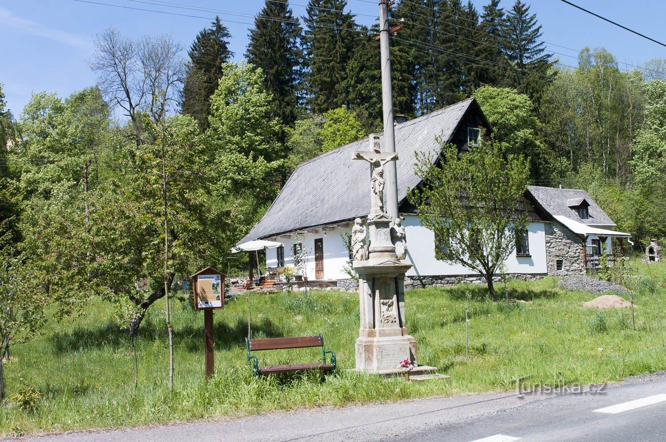 Malá Morava – Kalvárie s děsivým příběhem