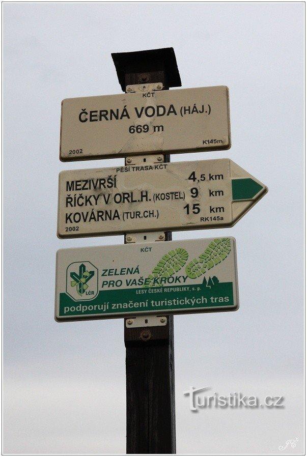 Turistické rozcestí Černá Voda, hájovna