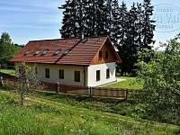 Chalupa Za Vsí Borovná - Pohled ze západu