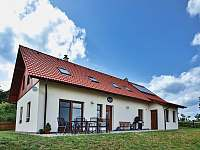Dům s posezením na terase - chalupa k pronájmu Borovná u Telče