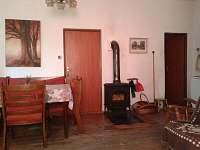 Dolní apartmán-větší pokoj s kuchyňským koutem   s TV