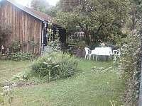 Zahrada - pronájem chalupy Branišov