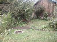 Zahrada - chalupa k pronajmutí Branišov