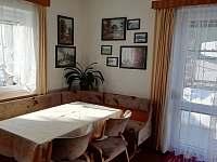 Jídelní stůl - chalupa k pronajmutí Nový Jimramov
