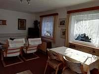 Obývací pokoj - chalupa k pronájmu Nový Jimramov