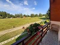 Pohled z balkónu ložnice č.1 - pronájem chaty Skála u Havlíčkova Brodu
