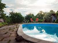 bazén 11 x 5,5 m - apartmán k pronajmutí Velká Bíteš - Jestřabí