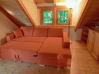 gauč rozložený (přistýlka) - apartmán k pronájmu Velká Bíteš - Jestřabí