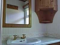 koupelna - pronájem chaty Kramolín