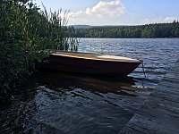 Loďka na Zuberském rybníku