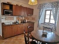 Malý apartmán - kuchyně - pronájem Vříšť