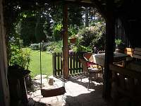 zahrada-pohled z altánku
