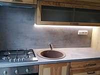 Kuchyň - pronájem chalupy Pacov