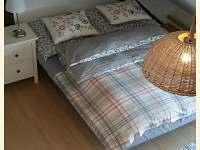 Apartmán ložnice 1 - pronájem chatek Býšovec - Smrček