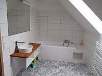 koupelna - první patro - ubytování Mirošov