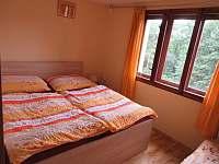 oddělená ložnice v přízem - pronájem chaty Budislav u Litomyšle