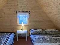 Ložnice v podkroví - chata k pronajmutí Březí nad Oslavou