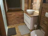 Koupelna v přízemí - Bystřice nad Pernštejnem
