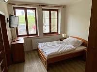 Ložnice rodičů, TV - apartmán ubytování Sněžné - Blatiny