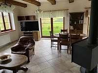 Výhledy z obývacího pokoje - apartmán k pronájmu Sněžné - Blatiny