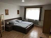Ložnice 1 - chalupa k pronajmutí Krucemburk