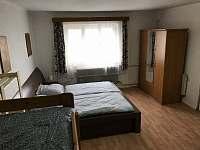 Ložnice 1 - chalupa k pronájmu Krucemburk