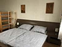 Ložnice 1 - pronájem chalupy Krucemburk