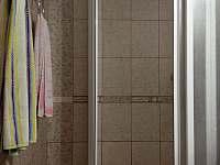 Sprchový kout - pronájem chalupy Proseč