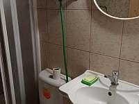 Umyvadlo s WC - Proseč