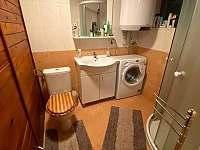 koupelna s pračkou a sprchou - Kraskov