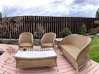pohodlný zahradní nábytek - chata k pronájmu Kraskov