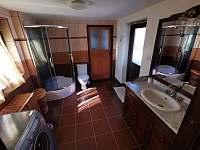 Koupelna u letní ložnice - Prosetín u Bystřice nad Perštejnem