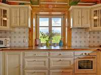 Kuchyň s krásným výhledem do zeleně - Proseč - Martinice