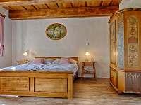 Panská ložnice s manželskou postelí v přízemí - Proseč - Martinice