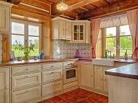 Plně vybavená kuchyň - roubenka k pronajmutí Proseč - Martinice