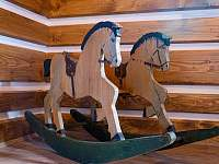 Starý dřevěný houpací koník pro děti - Proseč - Martinice