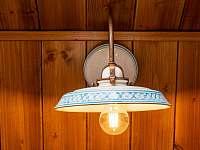 Všechna světla v Roubence jsou tradiční porcelánová - Proseč - Martinice